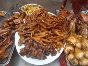 800px-Chicken_feet